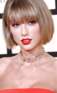 rs_634x1024-160215181504-634.Taylor-Swift-Accessories-Grammy-Awards-2016