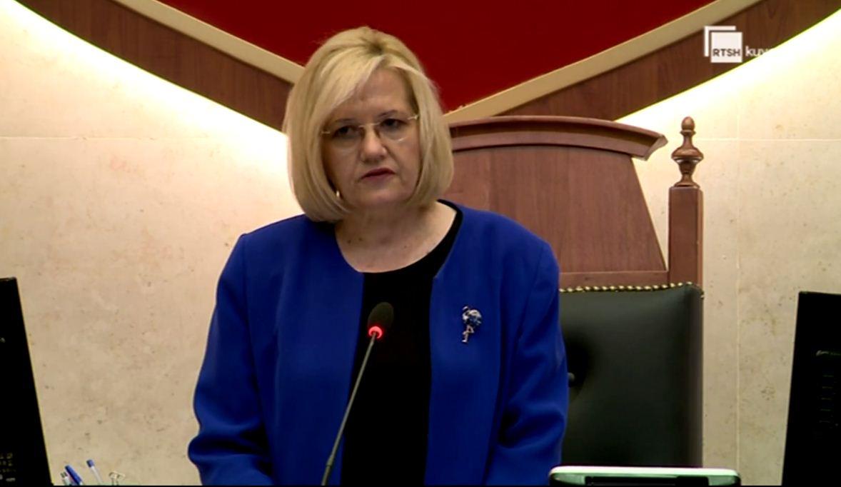 Seanca e parë plenare pa Bashkim Finon, deputetët e nderojnë me një minutë heshtje