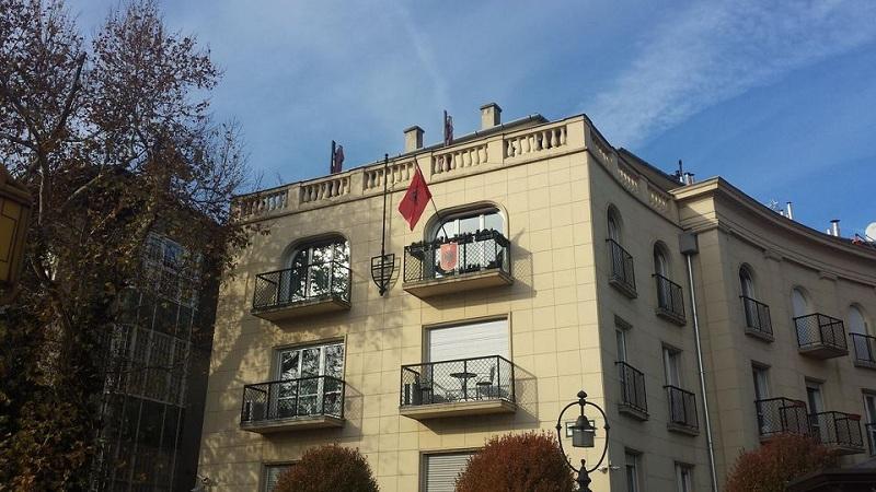 Hungaria hap kufijtë për shqiptarët e imunizuar ndaj Covid 19; marrëveshje e ndërsjelltë