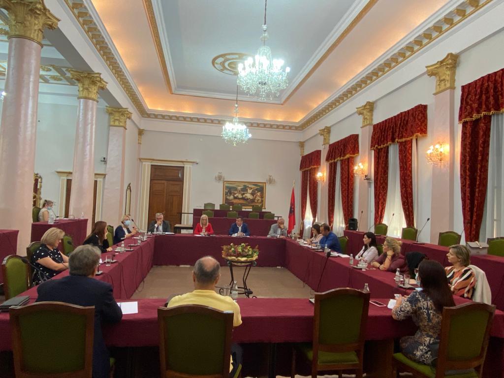 Zgjatet periudha e Vettingut, duhen ndryshime kushteuese. PS mbledh Grupin Parlamentar.